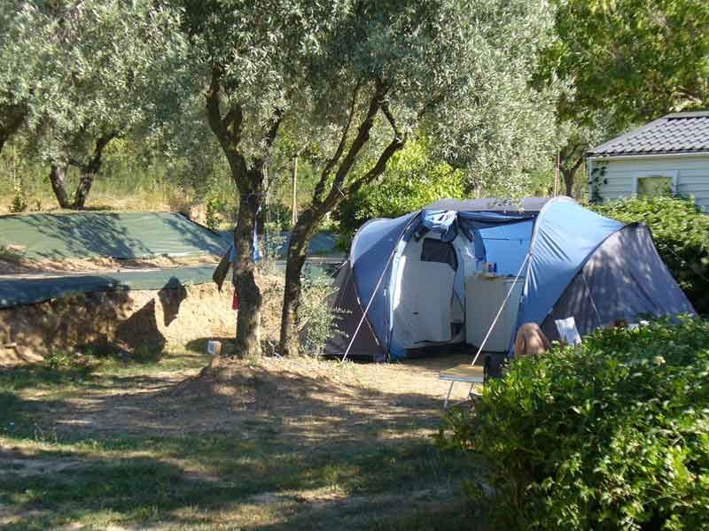emplacement camping luberon