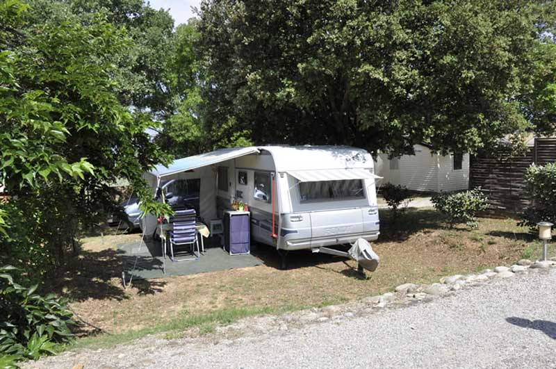 emplacement camping car luberon